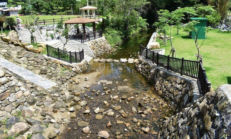 轟の滝の水遊び場