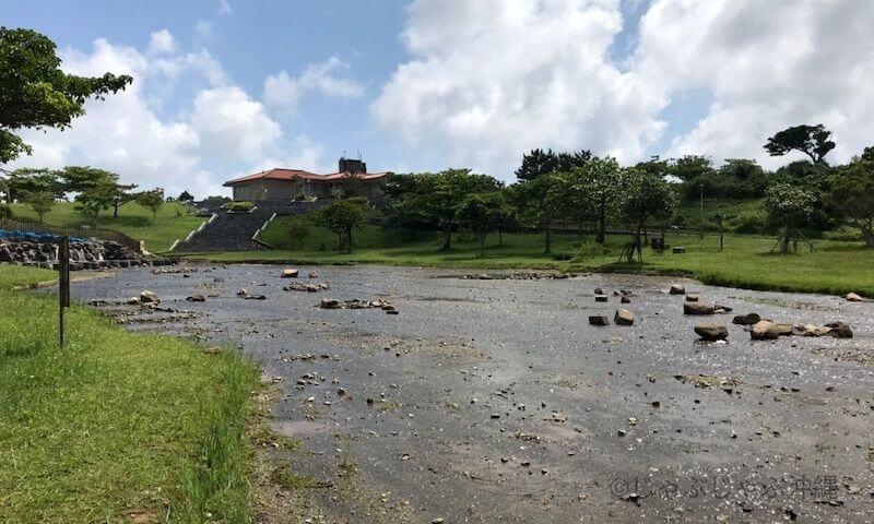 倉敷ダムの水遊び場