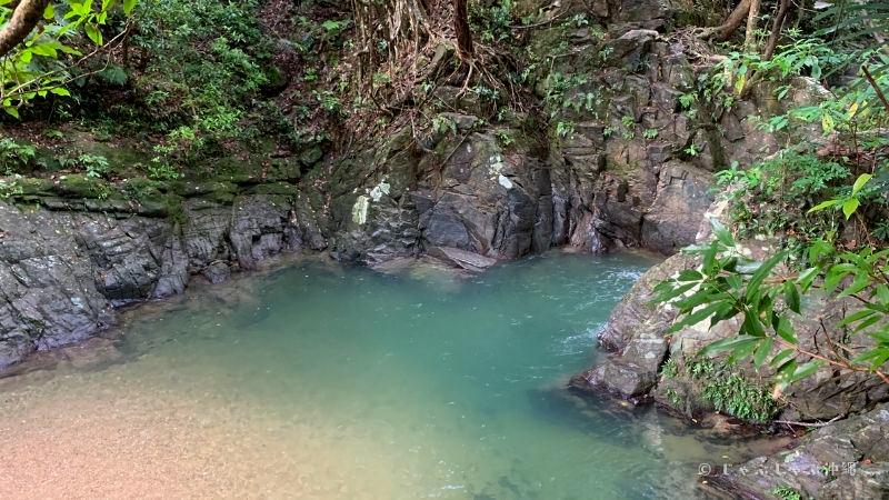 ター滝の深い場所